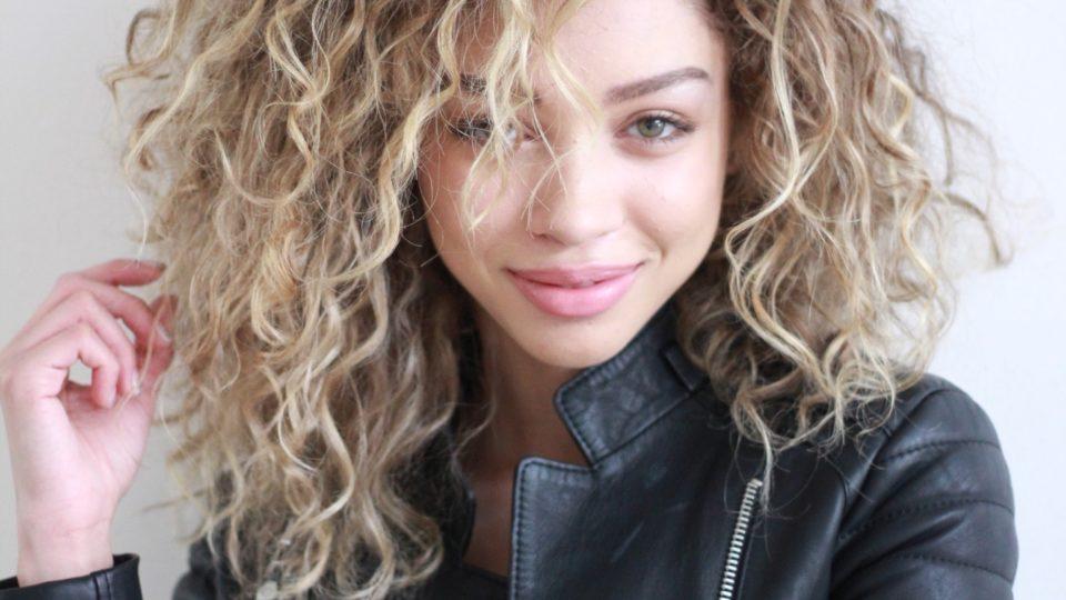 Lived in Blonde X Curls